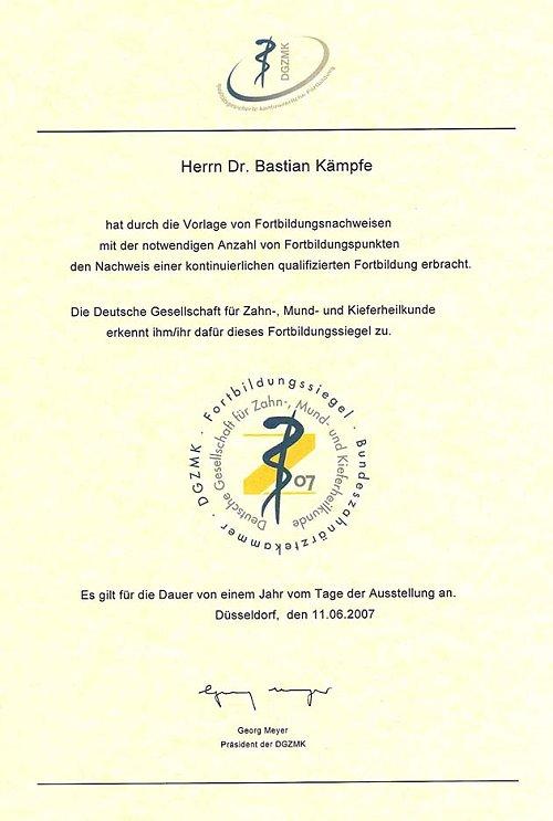 Zahnarzt-Kaempfe_Fortbildungssiegel-Zertifikat_500
